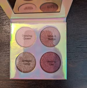💫3 for 12 💫 Quo eyeshadow quad